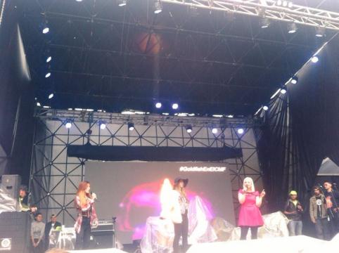 @HLaCosedora y @_kikanieto  en el #ClubMediaFestColombia  millenials stage
